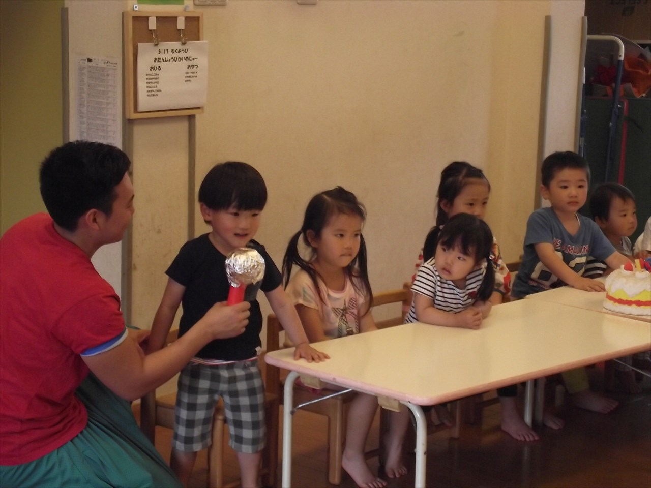 いつもは幼児さん中心ですが、今日はかりん組、みかん組も参加。こちらはかりん組のお友達。